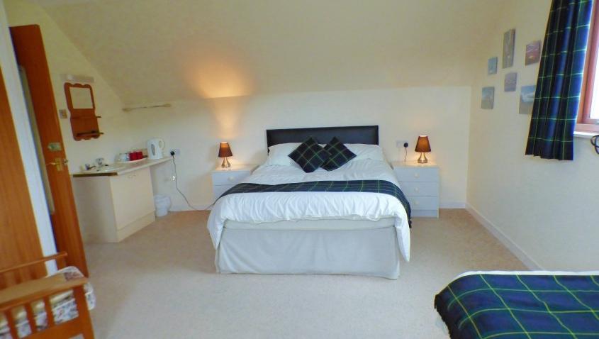 Greenacre Triple Room Double or Single